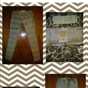 Almost Famous Jeans Animal Print Skinny Sz 6x30""